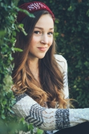 Senior Session taken in Downtown Fairhope, AL - photograph by Jenni Guerry Photography
